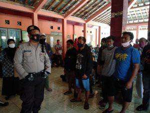Puluhan Warga Tuntut Pejabat Kelurahan Nglegi Mundur